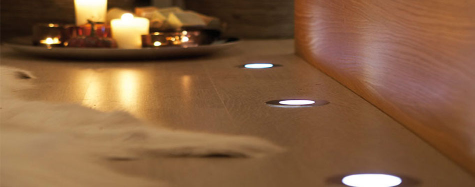 http://www.e-light.nu/site/wp-content/uploads/2012/05/golvspotlights-installation.jpg